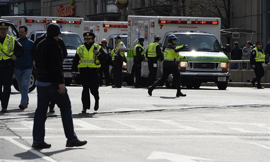 Policía de Nueva York aumenta vigilancia tras explosiones en Boston