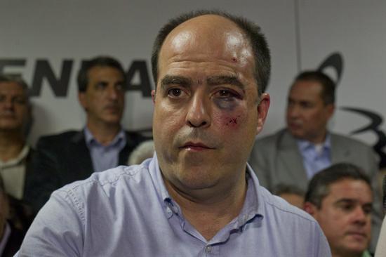 Maduro dice hechos de violencia en el Parlamento no deben repetirse