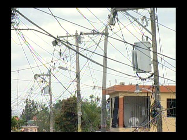 ¡Al grito! Apagones de 12 horas afectan a residentes en Villa Mella