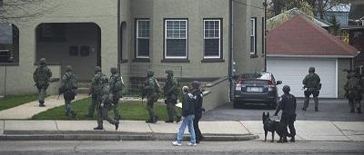 Policía rodea casa en Watertown donde puede estar el sospechoso