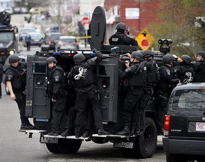Policía sigue pista de vehículo donde puede estar sospechoso de Boston