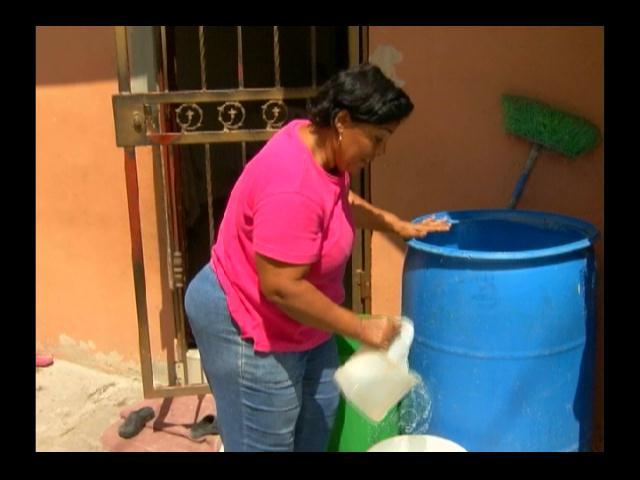 Desesperación por escasez de agua, aseguran se debe a pocas lluvias
