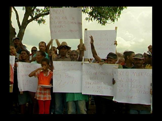 Familias desalojadas en Los Alcarrizos se niegan abandonar el lugar