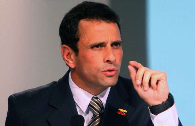 Capriles pide iniciar en paz protestas ante acto de proclamación