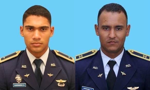 Pilotos accidentados fueron forzados a volar avión, dicen familiares