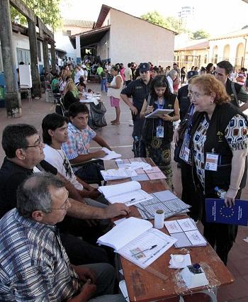 Cierran los colegios electorales en Paraguay