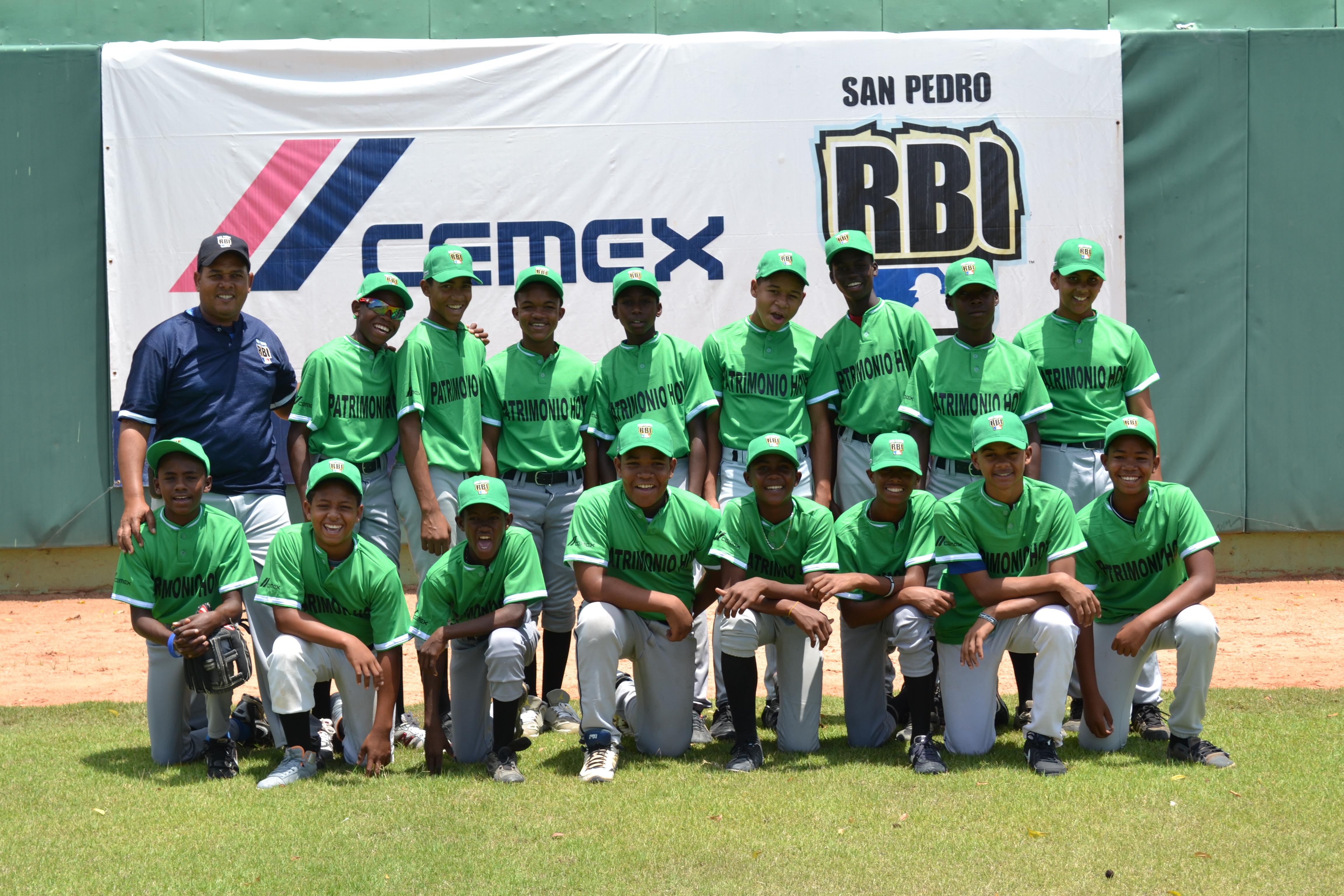 CEMEX amplía programa para formación de jóvenes peloteros