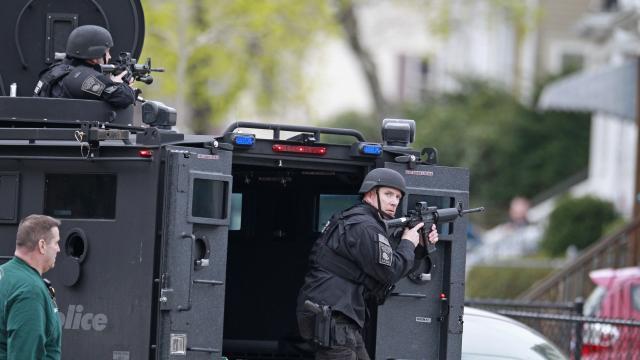 Mantienen cerco en busca de segundo sospechoso de atentados en Boston
