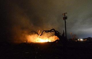 Policía cree que puede haber hasta 15 muertos en explosión de Texas