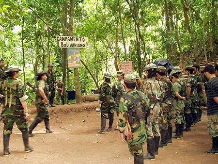 Policía colombiana frustra plan FARC de robar helicóptero