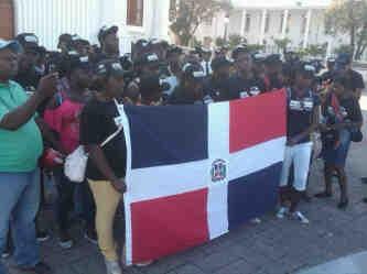 Jóvenes de origen haitiano piden ley que reconozca nacionalidad dominicana