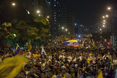 Capriles encabezó caminata nocturna para pedir seguridad