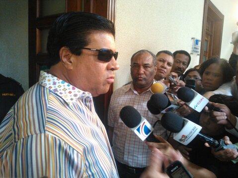 Fiscalía interroga a Frank Jorge Elías; niega haya golpeado su esposa