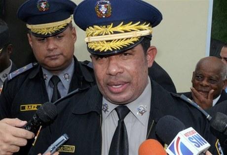 Jefe PN no sabe cuándo aumentarán salarios a policías