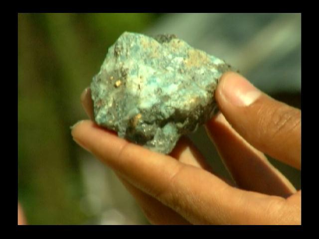 Conflicto por denuncias de exportación irregular de Larimar