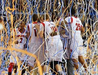 Louisville vence a Michigan y es el nuevo campeón universitario