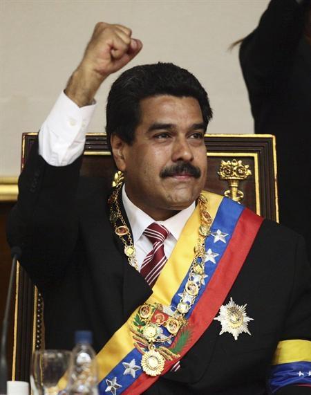 Maduro asume tras protestas con 8 muertos y auditoría de votos