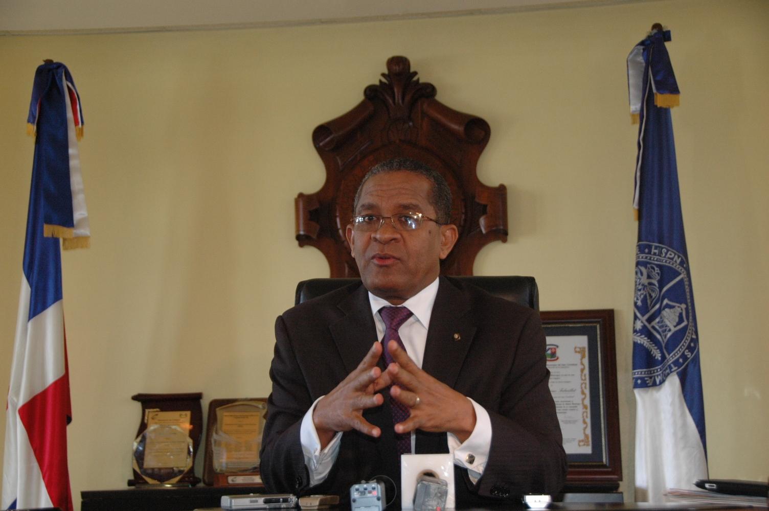 VED pide renuncia del rector de la UASD