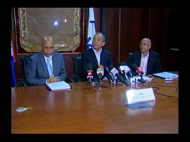 Pleno JCE se reúne para tratar licitaciones de nueva cédula