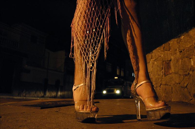 Mujeres dominicanas ejercen prostitución en 66 países, según estudio