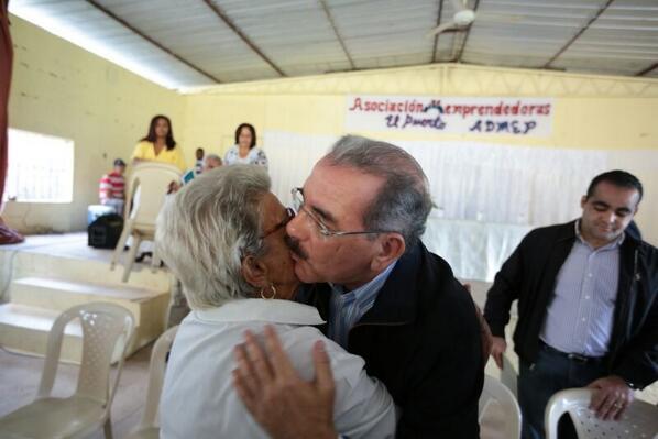 Presidente Medina visita varias provincias sorpresivamente