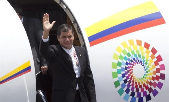 Correa se reunirá con presidente dominicano este lunes