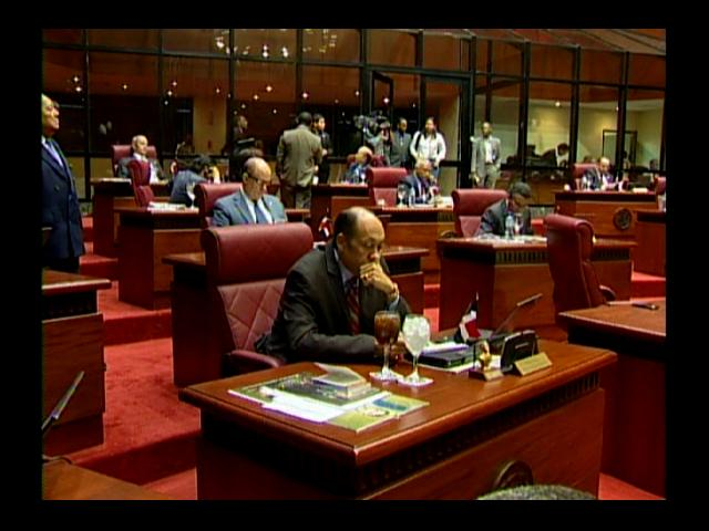 Senado convoca sorpresivamente sesión para este martes