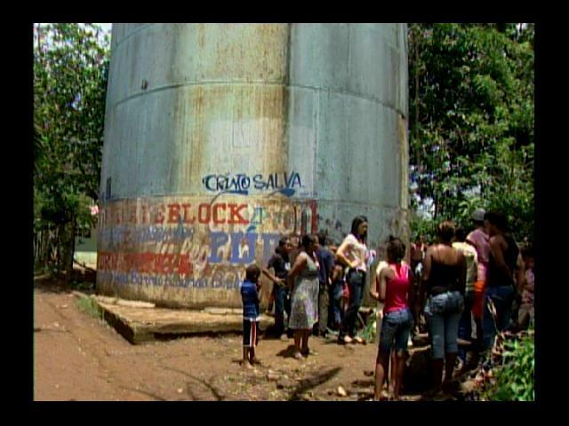 Moradores en Pedro Brand protestan por falta de agua