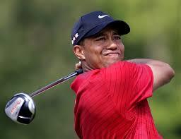 Tiger Woods, penalizado con dos golpes por un 'drop' incorrecto