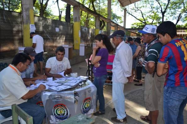 Participación llega a 35 % en primeras 4 horas de votación en Paraguay