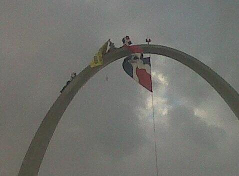 Doctor Wazar al tope de Plaza de la Bandera contra de la Barrick