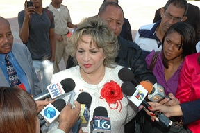Alexandra Izquierdo llama mujeres y jóvenes se empoderen de la política