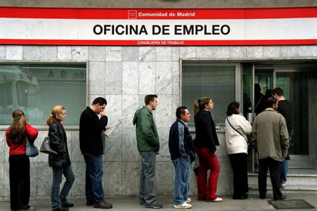 Desempleo en España supera los 6 millones de personas y llega al 27,1%