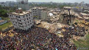 Bangladesh: cientos de personas siguen desaparecidas tras derrumbe