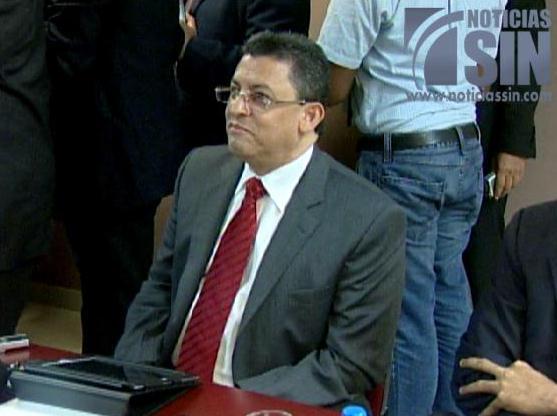 Barrick seguirá exportando amparada en contrato, dice director Aduanas