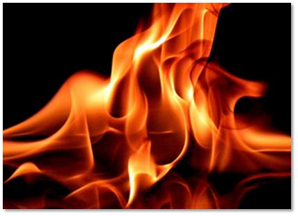 Incendio destruye 4 viviendas en Santiago