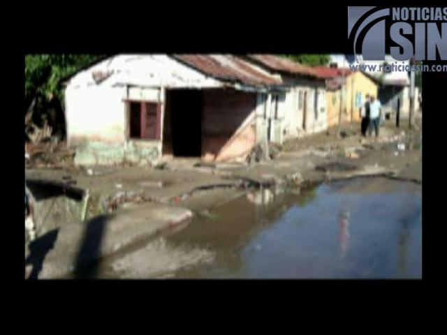 Un muerto y decenas de viviendas inundadas en Azua debido a lluvias