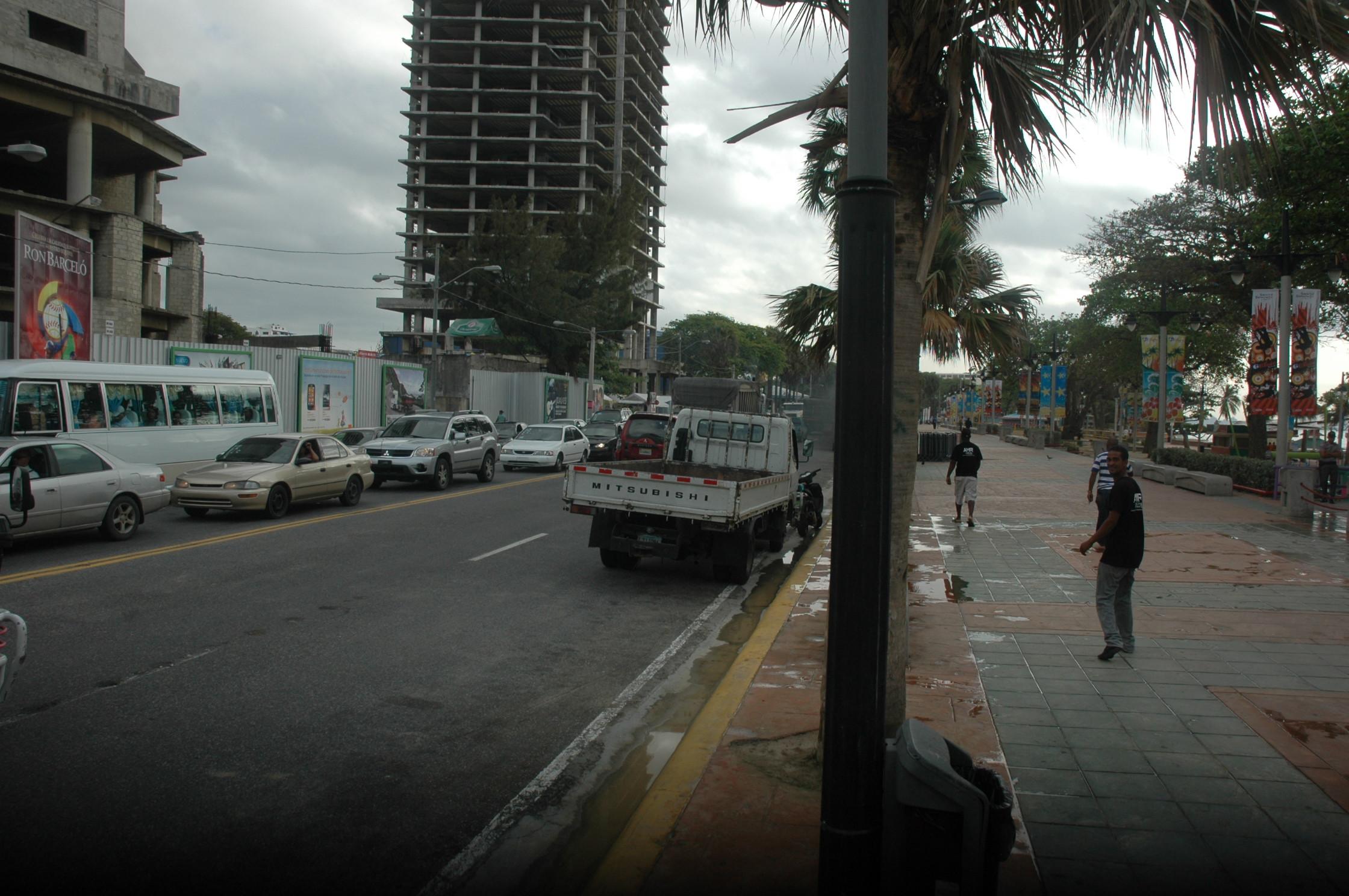 ADN restablece tránsito en área de piscinas en el Malecón