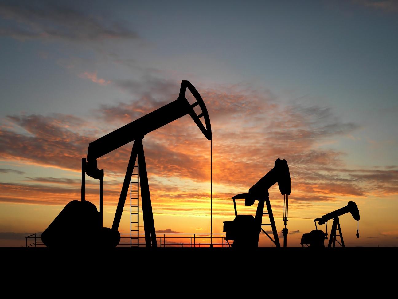 Petróleo de Texas baja el 2,3 % y cierra en 86,68 dólares por barril