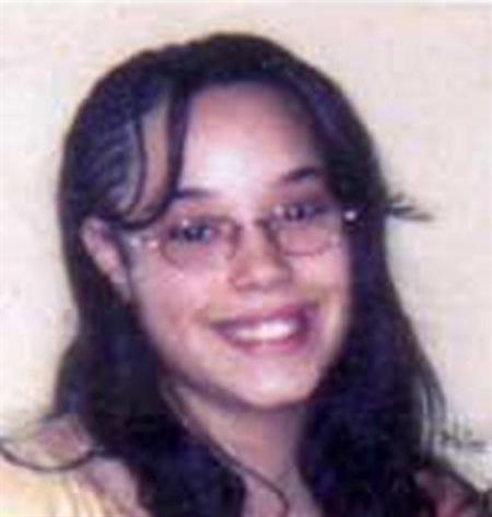 Jóvenes de Cleveland habrían sufrido violaciones y abortos, según medios