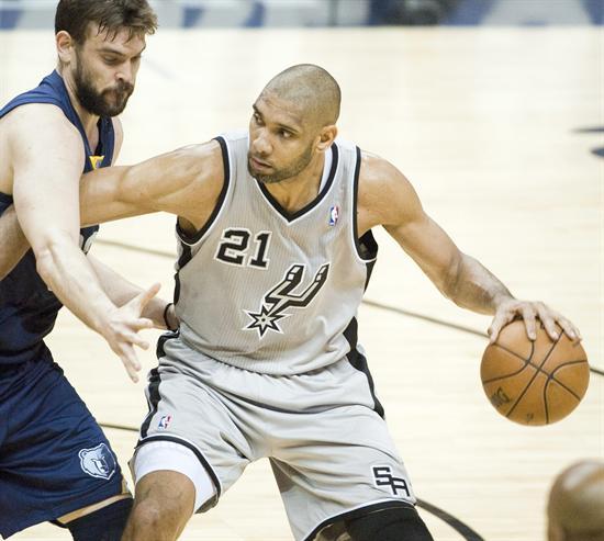 Duncan salvó a los Spurs ante unos Grizzlies combativos