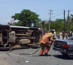 Al menos 11 heridos en accidente de autobús escolar en las Américas