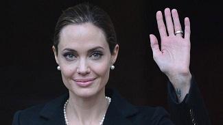Jolie dice que cumbre sobre violencia sexual ha sido