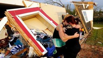 Sube a 51  cifra oficial de muertos por gigantesco tornado en Oklahoma