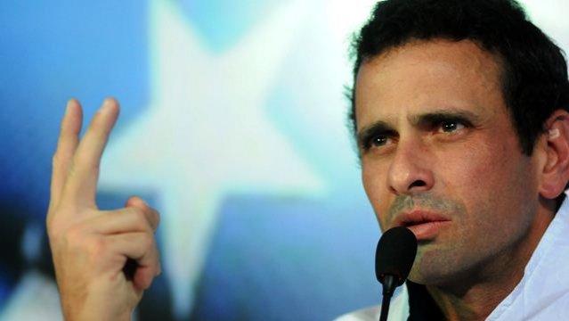 Capriles critica a Maduro por intentar