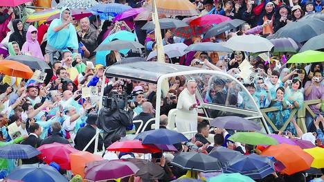 El Papa denuncia por primera vez abusos sexuales contra menores