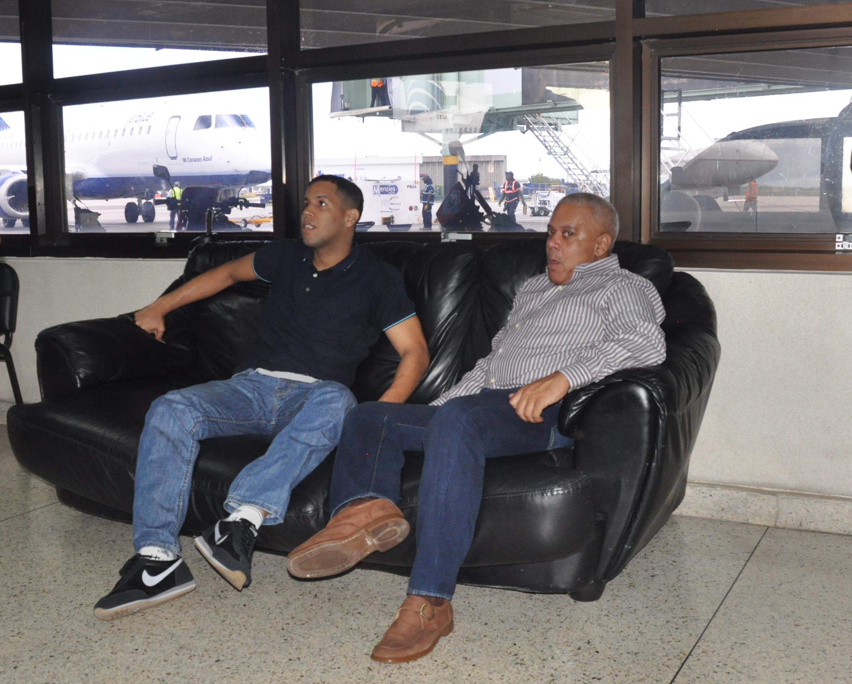 Extraditan a EE.UU. a dos hombres para juzgarlos por narcotráfico