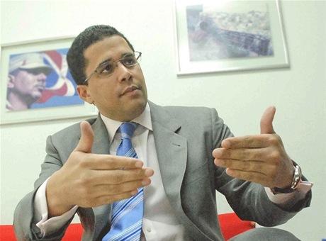 David Collado presenta iniciativa que declara el 12 de noviembre Día del Emprendedor en RD