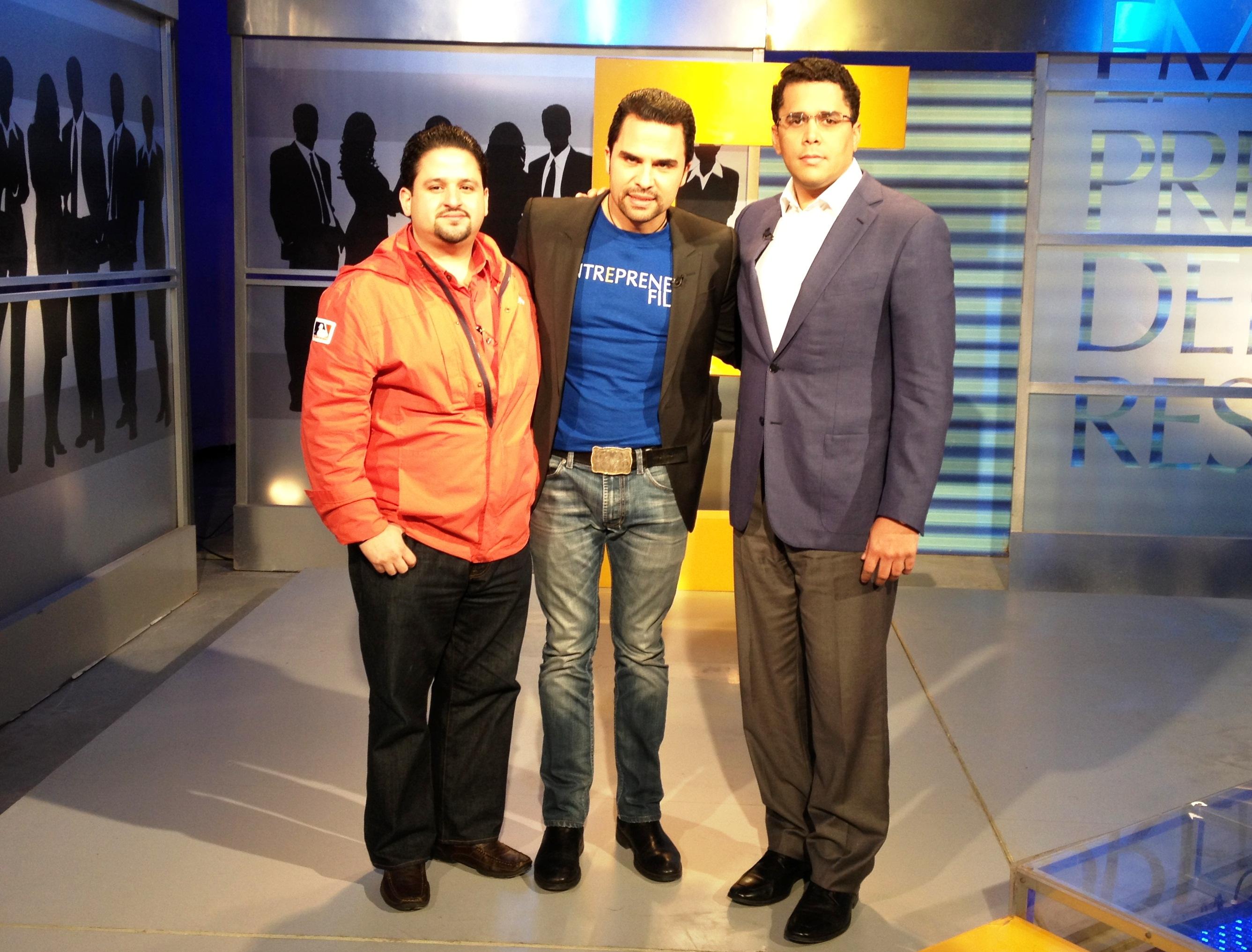 Actor Manny Pérez habla de su nueva película en Emprendedores