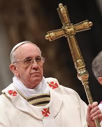 El papa pide rezar por desempleados, ancianos, pobres, presos y emigrantes